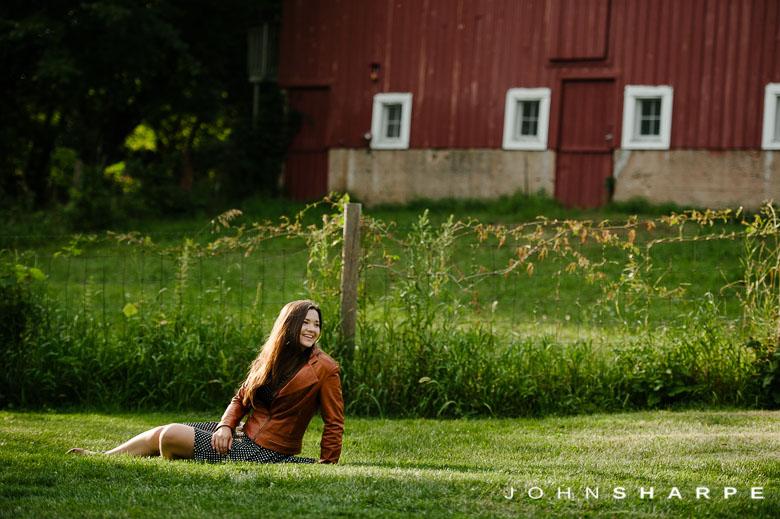 Holz-Farm-Senior-Photos-44