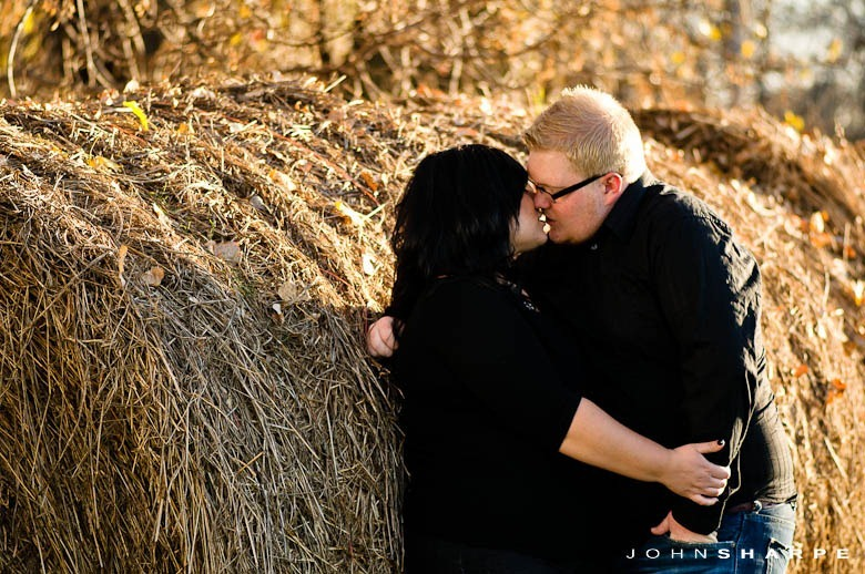 Fall-Autumn-Engagement-Session-9