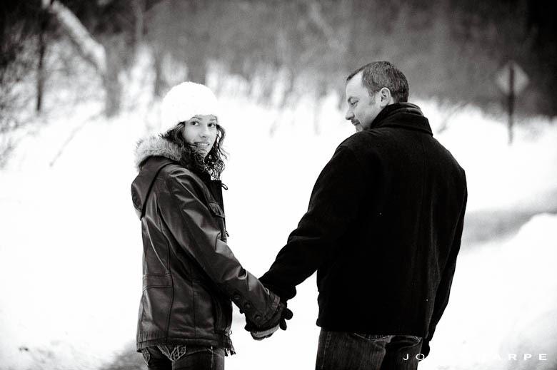 Minnesota-Winter-Engagement-Photo-1036