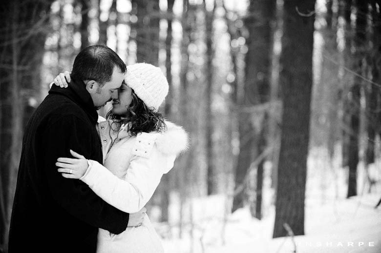 Minnesota-Winter-Engagement-Photo-1057
