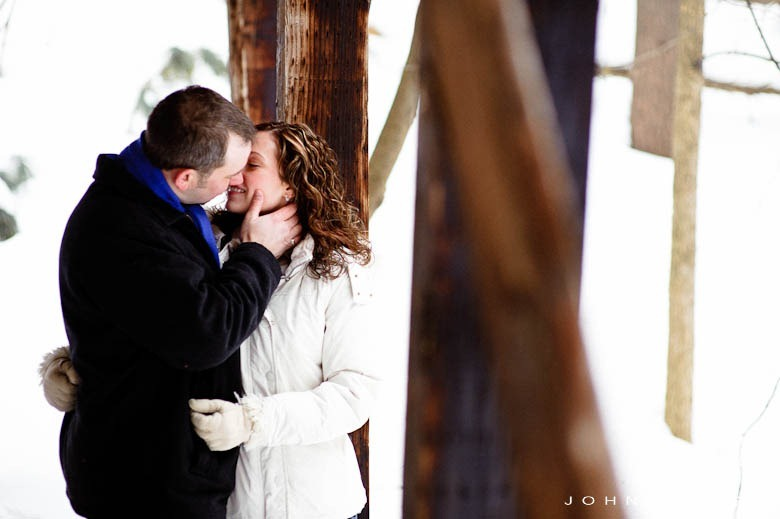 Minnesota-Winter-Engagement-Photo-1106