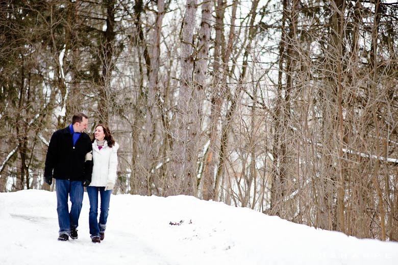 Minnesota-Winter-Engagement-Photo-1110