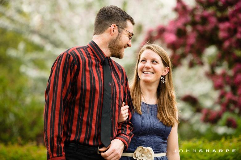 Rose-Garden-Engagement-Photos (5)