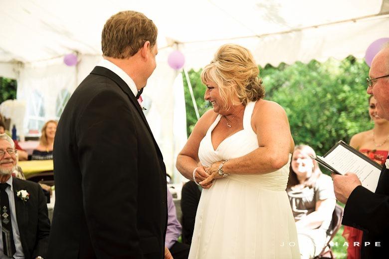backyard-wedding-minnesota-16_thumb