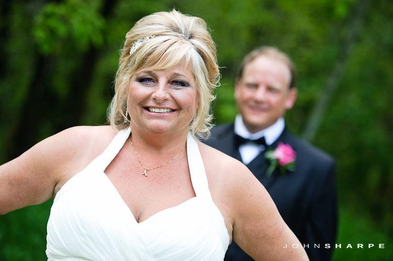 backyard-wedding-minnesota-23_thumb