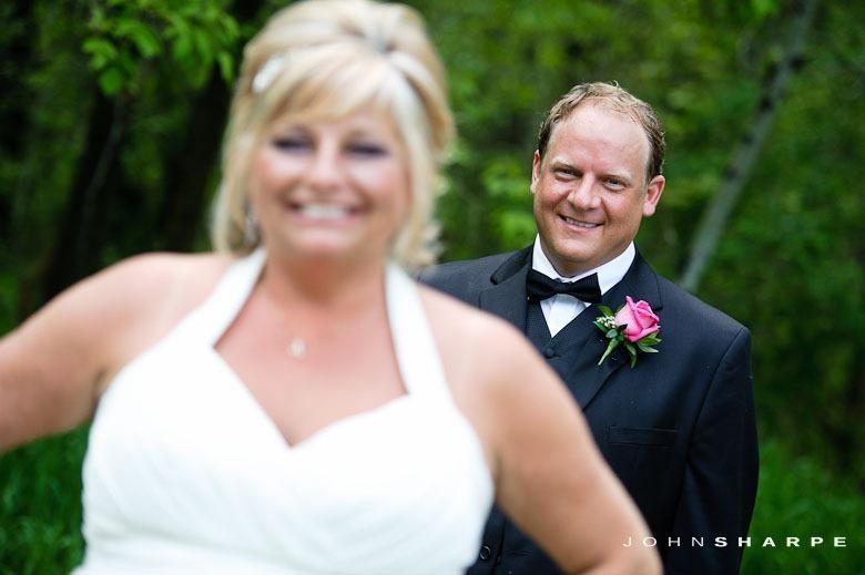 backyard-wedding-minnesota-24_thumb