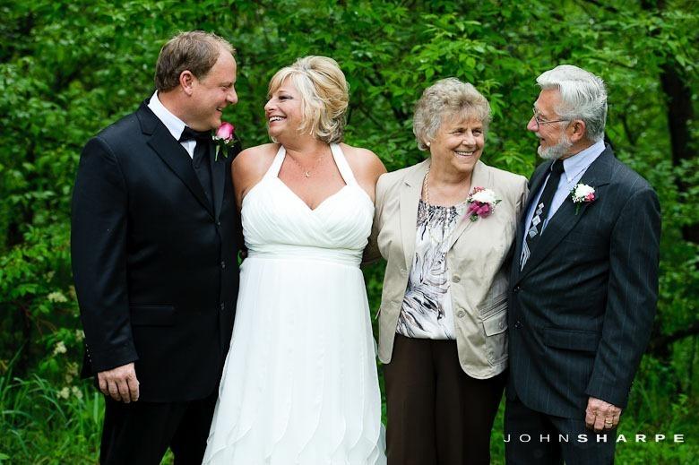 backyard-wedding-minnesota-5_thumb