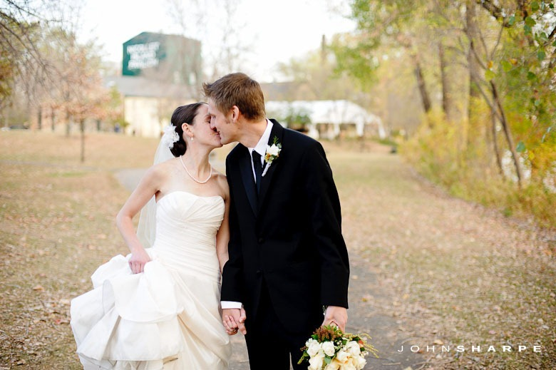 nicollet-island-pavilion-wedding-26