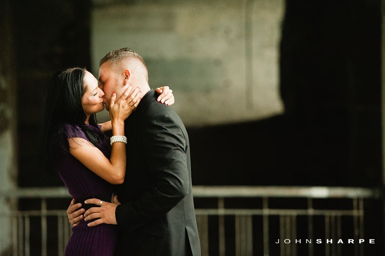 Stone-Arch-Bridge-Engagement-Photos-13