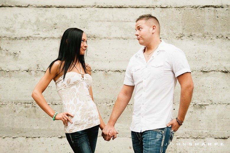 Stone-Arch-Bridge-Engagement-Photos-4
