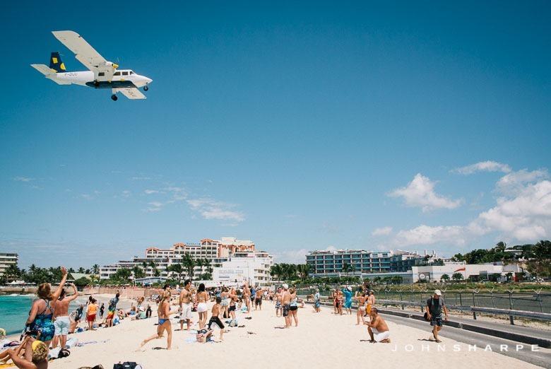 Maho-Beach-St-Maarten-Airplane-